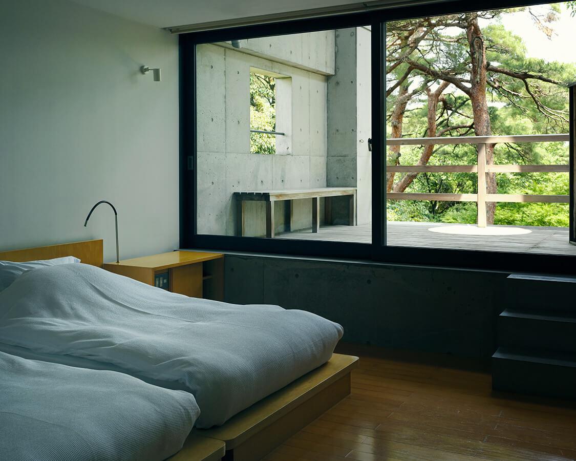 洋室の寝室